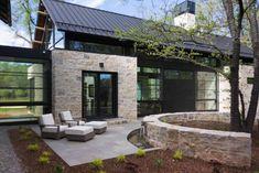 Modern Barn House, Modern House Design, Exterior Design Of House, Residential Architecture, Architecture Design, Exterior Tradicional, Modern Farmhouse Exterior, Farmhouse Decor, Building A House