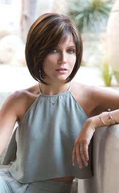 66 Chic Short Bob Hairstyles & Haircuts for Women in 2019 - Hairstyles Trends Choppy Bob Hairstyles, Bob Hairstyles For Fine Hair, Wig Hairstyles, Pixie Haircuts, Medium Hair Styles, Short Hair Styles, Pixie Styles, Hair Medium, Medium Brown
