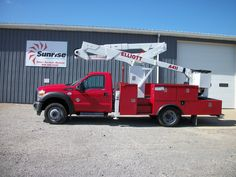 46' Elliot ECA41I on a 2011 Ford F550 4x4. This under CDL truck has an insulated, single man bucket with an automatic transmission.  Good working height for an under CDL truck. SR# 3574  http://www.sunriseequipment.com/bucket-trucks/2011-ford-f550-4x4-xl-3574