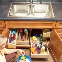 Best Possible Under Sink Storage RON can Do! How to Build Kitchen Sink Storage Trays - Innovative Kitchen Organization and Storage DIY Projects Kitchen Sink Storage, Under Sink Storage, Diy Storage, Cabinet Storage, Cabinet Space, Extra Storage, Kitchen Sinks, Storage Ideas, Diy Kitchen