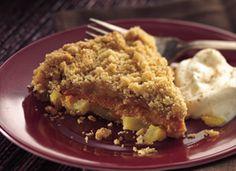 Dutch Apple-Pumpkin Crisp--So good! Like a cross between pumpkin pie and apple crisp. Best Apple Desserts, Apple Recipes, Pumpkin Recipes, Just Desserts, Baking Recipes, Sweet Recipes, Dessert Recipes, Fall Recipes, Dessert Ideas