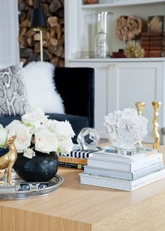 Our Top 5 Tips for Styling Bookcases beautifully, to help you welcome your Thanksgiving guests, today, on Hadley Court!