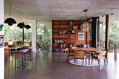 家の周りは熱帯雨林!自然を感じる開放的な家