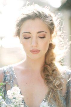 8 Pretty Makeup Ideas for Summer Brides via @PureWow
