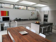 high level windows - Google Search Apartment Kitchen, Apartment Living, High Windows, Kitchen Tops, Kitchen Ideas, Living Room Styles, Living Room Windows, House Extensions, Pool Houses