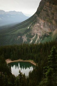вершина и озеро