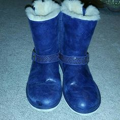 Rare blue crystal uggs size 6 Decorative buckles and side asymmetrical zippers. Cream shearling and bottoms. Pristine. UGG Shoes