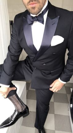 qieenplo - 0 results for mens Mens Fashion Suits, Mens Suits, Men's Fashion, Suit Men, Blue Suit Wedding, Sheer Socks, Black Tie Affair, Classic Suit, Tuxedo For Men