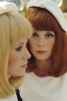 Catherine Deneuve and Françoise Dorléac, 1966 / two beautiful and talented French sisters - Shooting Of The Film 'Les Demoiselles De Rochefort ' By Jacques Demy Catherine Deneuve, Jacques Demy, Paris Match, French Actress, We Are The World, Shows, Look At You, Classic Beauty, French Beauty