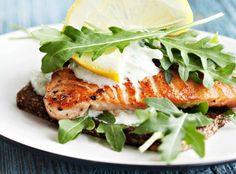 Fried salmon seasoned with herbs - Yrttilohi ja kurkkusalaatti, resepti – Ruoka.fi