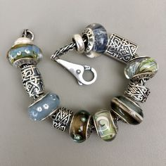 Last week Julia kindly sent me some True Beadz Treasures, as an example of some of the ones that will be available for the Great Lakes Boutique Bead Bash at the end of September. After posting a vi…