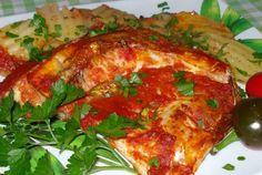Platica la cuptor cu sos de rosii si mustar Lasagna, Curry, Chicken, Ethnic Recipes, Food, Curries, Eten, Meals, Lasagne