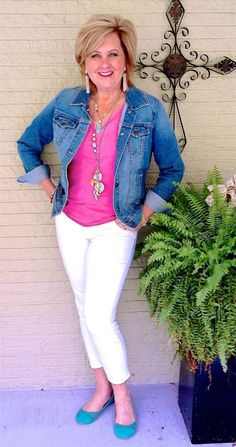 50 IS NOT OLD | RELAXED AND COMFORTABLE | White Jeans | T-Shirt | Transition Outfit | Fashion over 40 for the everyday woman