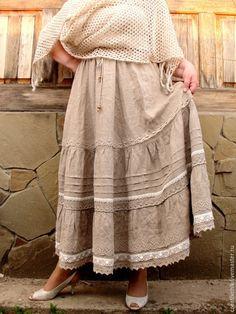 Купить или заказать Юбка льняная авторская 2. Длинная летняя юбка. в интернет-магазине на Ярмарке Мастеров. Длинная, ярусная, летящая юбка из натурального неотбеленного оршанского льна. И много-много льняного кружева! Нижняя юбка-подклада из натуральной 'марлевки'. Пояс на резинке и продублирован шнурком, что позволяет регулировать талию на несколько размеров. Для сохранения креш-эффекта юбку после стирки встряхнуть, высушить на вешалке в вертикальном состоянии (не на солнце) и не гладить.