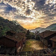 Pôr-do-sol em Paranapiacaba, distrito de Santo André, em São Paulo. Foto de Antonio Luiz Pedroso Balint.