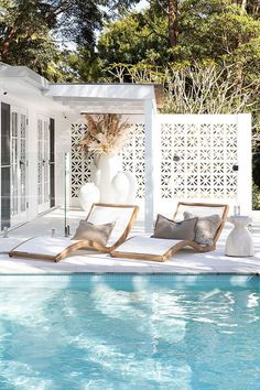 relaxing pool – rustic home exterior Small Beach Houses, Tropical Beach Houses, Dream Beach Houses, Beach House Bedroom, Beach House Decor, Home Decor, La Croix Valmer, Beach House Kitchens, Pool Houses