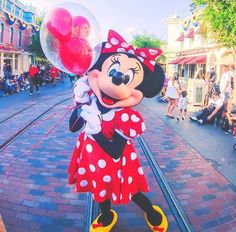 Minnie Mouse Images, Mickey Mouse And Friends, Black And White Aesthetic, Disney Pictures, My Happy Place, Disney Magic, Disney Characters, Fictional Characters, Daisy