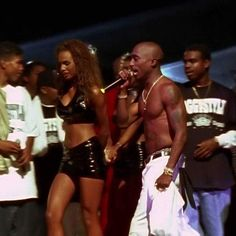 Mr Makaveli facebook. Tupac Shakur performing on stage. 2pac, Tupac Shakur, Hip Hop Quotes, Rap Quotes, Lyric Quotes, Tupac Pictures, Tupac Makaveli, Maroon 5 Lyrics, All Eyez On Me