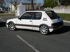 Retro Cars, Vintage Cars, Peugeot France, Peugeot 205, Miami, Old Cars, Concept Cars, Ford Mustang, Cars And Motorcycles