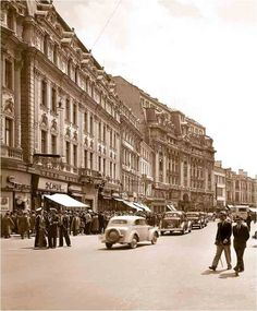Calea Victoriei in perioada interbelica Little Paris, Bucharest Romania, Vintage Photography, Time Travel, Most Beautiful Pictures, Street View, City, Instagram Posts, Memories