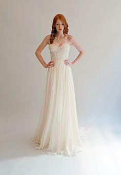 Beautiful strapless wedding dress   itakeyou.co.uk #weddingdress #weddinggown #bridaldress
