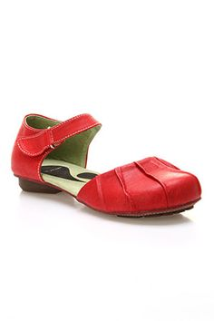 Red shoe love...