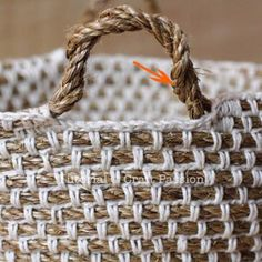 Make your own hemp basket with this crochet pattern & tutorial. Know basic crochet technique to complete it. It uses manila rope and yarn to build. Crochet Rope, Crochet Baby Hats, Crochet Purses, Crochet Crafts, Crochet Stitches, Crochet Projects, Free Crochet, Crochet Basket Tutorial, Crochet Basket Pattern