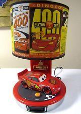 DISNEY LIGHTNING MCQUEEN CARS MOVIE TALKING ALARM CLOCK LAMP