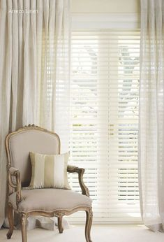 6 Luminous Tips AND Tricks: Living Room Blinds Venetian modern blinds architecture.Bedroom Blinds And Curtains bamboo blinds wood trim.Roll Up Blinds Window Treatments. Curtains Over Blinds, Sheer Blinds, Fabric Blinds, Blinds For Windows, Blackout Blinds, Sheer Curtains, Indoor Blinds, Patio Blinds, Diy Blinds
