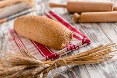 Ψωμί ολικής άλεσης σίτου με προσθήκη από μαλακό σιτάρι. Σκούρο ψωμί , αλλά ταυτόχρονα ανάλφρη γεύση και μεστότητα , κατάλληλο για να συνοδέψει το καθημερινό σας γεύμα. #gatidis #gatidisfresh #γατίδης #bread #ψωμί #food #bakery
