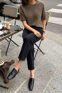 Health and fitness articles 20 Herbst-Outfit-Ideen Mode Mode articles Fitness health HerbstOutfitIdeen Outfit ideen Outfit Jeans, Women's Jeans, Loafers Outfit, Minimal Fashion, Work Fashion, Minimal Outfit, Minimal Chic, Fashion Fashion, Nordic Fashion