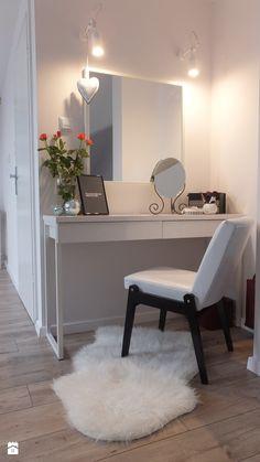 Niskobudżetowa adaptacja części poddasza ( sypialnia z garderobą + łazienka ) - Sypialnia, styl minimalistyczny - zdjęcie od Patrycja Wielińska