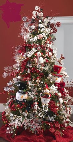 A bit earlier l know but we have to start thinking about it soon Christmas Tree ● Snowman.a beautiful Christmas tree! Beautiful Christmas Trees, Christmas Tree Themes, Holiday Tree, Christmas Snowman, All Things Christmas, Christmas Home, Christmas Tree Decorations, Christmas Holidays, Holiday Decor