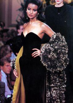 Haute Couture Paris, Haute Couture Style, Couture Mode, Couture Fashion, Runway Fashion, Fashion Show, Fashion Looks, Fashion Outfits, Black 90s Fashion