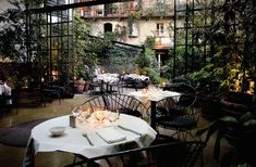 10 Corso Como garden cafè, Milan.  Nearly ruptured spleen in giggling fit with Lisa here