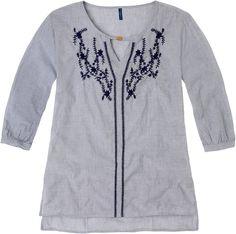 Weekend. Modelo: G815A0319575KAR. Blusa con bordado, cuello mao, manga 3/4.