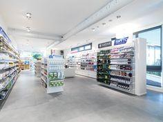 Una scelta del giusto arredo e la sua corretta disposizione permette di avere un ambiente ordinato e una perfetta visibilità dei prodotti.
