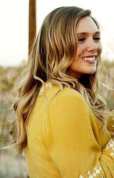 Everything Lizzie Olsen Elizabeth Olsen Gif, Elizabeth Olsen Scarlet Witch, Beautiful Girl Image, Most Beautiful Women, Elizebeth Olsen, Mary Kate Ashley, Teresa Palmer, Hollywood Celebrities, Billie Piper