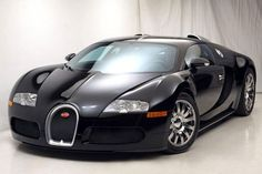 Bugatti Veyron - Not the best looking - but its the fastest!!!