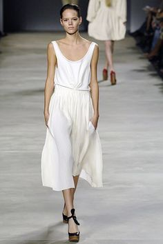 Chloé Spring 2006 Ready-to-Wear Fashion Show Collection