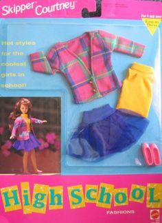 Amazon.com: Barbie SKIPPER COURTNEY High School Fashions GAMES - Easy To Dress (1992): Toys & Games