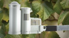Hunter Solar Sync ET Sensor — An advanced weather sensor that calculates evapotranspiration (ET) and adjusts Hunter sprinkler controllers daily based on local weather conditions