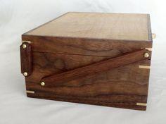 Caja de joyería de madera Keepsake Box / Caja por CrypticWoodworks