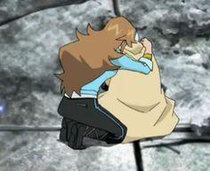 screenshot- episode 7 series 2- jinja hugs a sad beyal