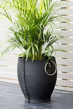 35 Inventive Tyre Recycle Projects — RenoGuide - Australian Renovation Ideas and Inspiration - Diy-recycling Tire Planters, Garden Planters, Planter Pots, Recycled Planters, Outdoor Planters, Tire Furniture, Diy Garden Furniture, Furniture Design, Modern Furniture