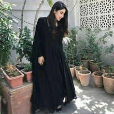 : Georgette Inner :- Silk Fully Stitched up to xxl size 👸**PALZO** Fabric: Santoon 2 meter Unstich 🧜♀**Dupatta** :- Georgette with Fancy Pom Pom lace Stitching Type :Stitched Occasion : Casual Price:- Black Kurti, Black Anarkali, Anarkali Dress, Anarkali Suits, Lengha Choli, Punjabi Suits, Black Salwar Suit, Pakistani Dresses Casual, Pakistani Dress Design