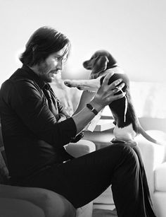 """Keanu Reeves """"John Wick"""" and Daisy << Poor Daisy :'( Cutest puppy EVER Only good bit about this film Keanu Reeves John Wick, Keanu Charles Reeves, John Wick Movie, John Wick 1, Keanu Reeves Quotes, The Blues Brothers, Bon Film, Movies And Series, Man And Dog"""
