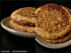 Galettes_flocons_d_avoinex2GALETTES AUX FLOCONS D'AVOINE Pour 5 galettes (épaisses et cuite dans une poêle à blinis) Préparation  5 min Cuisson : 3-4 min par galette  30 cl de lait de soja (j'ai pris du lait de vache car pas de lait de soja en stock) 1 tasse (250 ml) de flocons d'avoine 2 oeufs 2 cuillères à soupe de Gomasio (sel de sésame en magasin bio) sel poivre du moulin