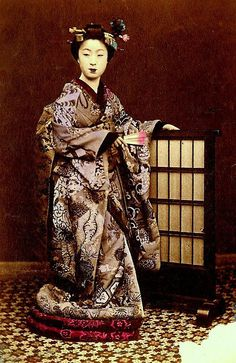 SUPER MAIKO KIMONO FROM OVER 130 YEARS AGO IN OLD JAPAN -- by Okinawa Soba, via Flickr