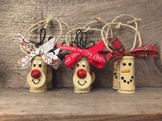 Set of 6 Wine Cork Ornaments Wine Bottle von ReconditionaILove